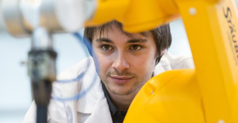 artigo-staubli_robotica_industrial_empregos_a_voz_da_industria